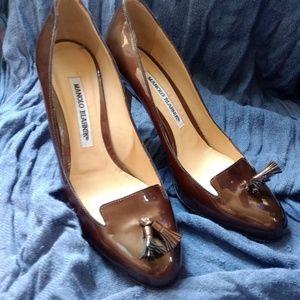 Size 37.5 Manolo Blahnik Patent Leather Olive Pump